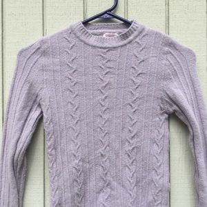 Lilac wool sweater with knitted design